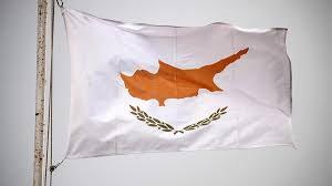 Кипр начнет выдавать визы туристам из РФ с 1 марта