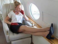 Стюардесса объяснила, почему на борту лучше не снимать обувь