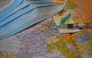 Врачи рассказали, чего ожидать в путешествиях тем, кто уже сделал прививку от COVID-19