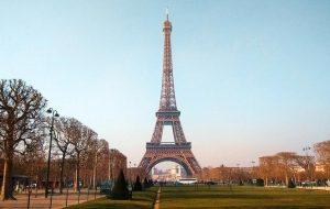 Франция ослабит ограничения для вакцинированных туристов этим летом