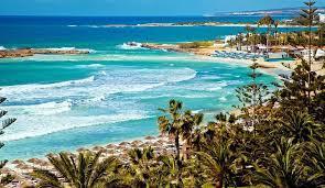 Кипр отменяет ограничения для привитых туристов с 10 мая