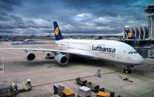 Lufthansa начала проверять QR-коды вакцинации при регистрации на свои рейсы
