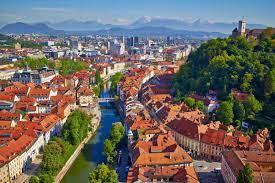 Словения закроет границы для прибывающих из России граждан