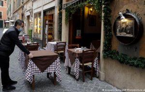 В Греции посетить бары и рестораны смогут только вакцинированные