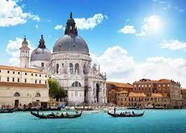Венеция следующим летом введет обязательный сбор — 10 евро с каждого туриста