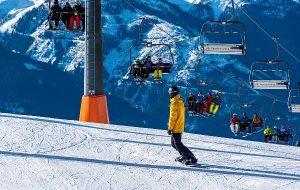 Туристов на горнолыжных курортах Австрии заставят надеть респираторы